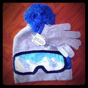 Ski hat and glove set